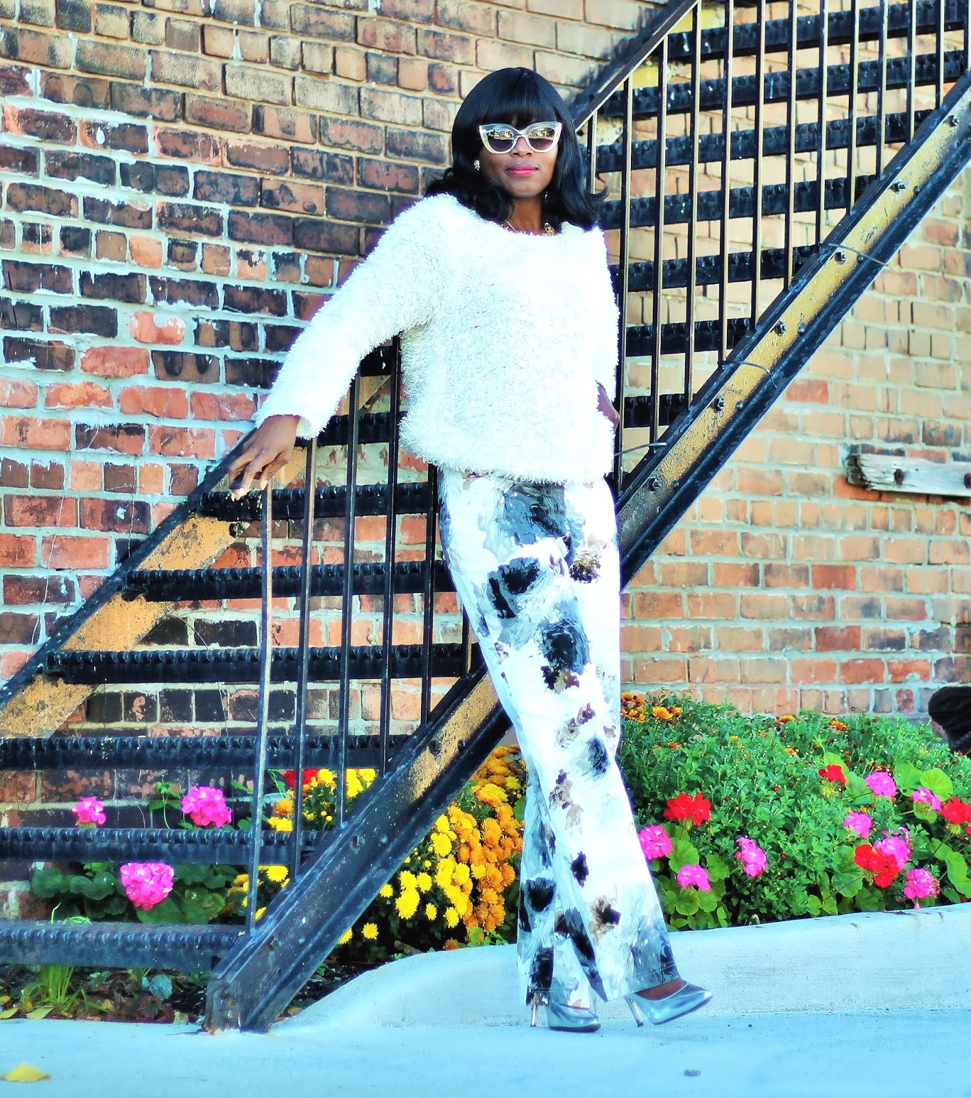 FALL FRIDAY CASUAL FROM DAY TO NIGHT: OVERSIZED SWEATER AND PANTS