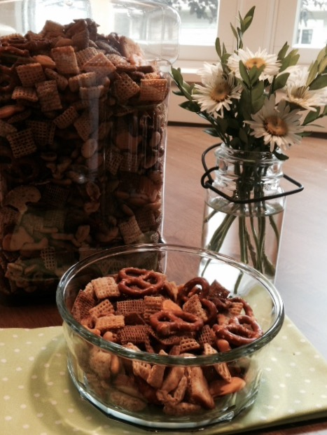 Mom's Homemade Chex Mix (a take on the original Chex party mix recipe) 2 1/2 cups Corn Chex cereal 2 1/2 cups Rice Chex cereal 2 1/2 cups Wheat Chex cereal