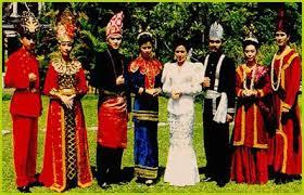 Nama-Pakaian-Adat-Sulawesi-Utara-Pria-Wanita-dan-Penjelasan-lengkap