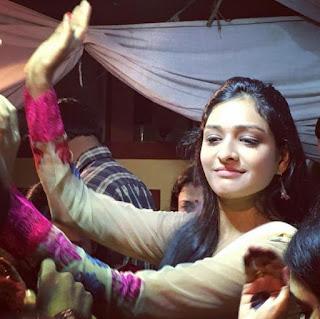 Profil Aishwarya Khare Terbaru