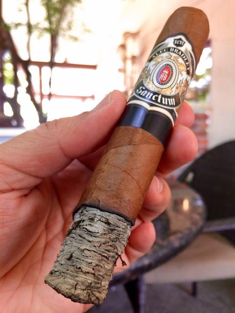 Alec Bradley Sanctum Gordo cigar 3