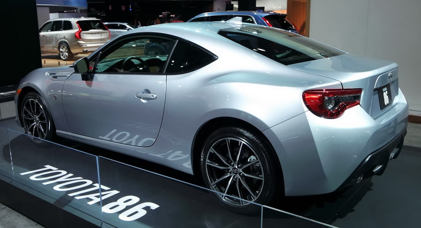 2017 Subaru Brz Vs 2017 Toyota 86 Which One Do You Like
