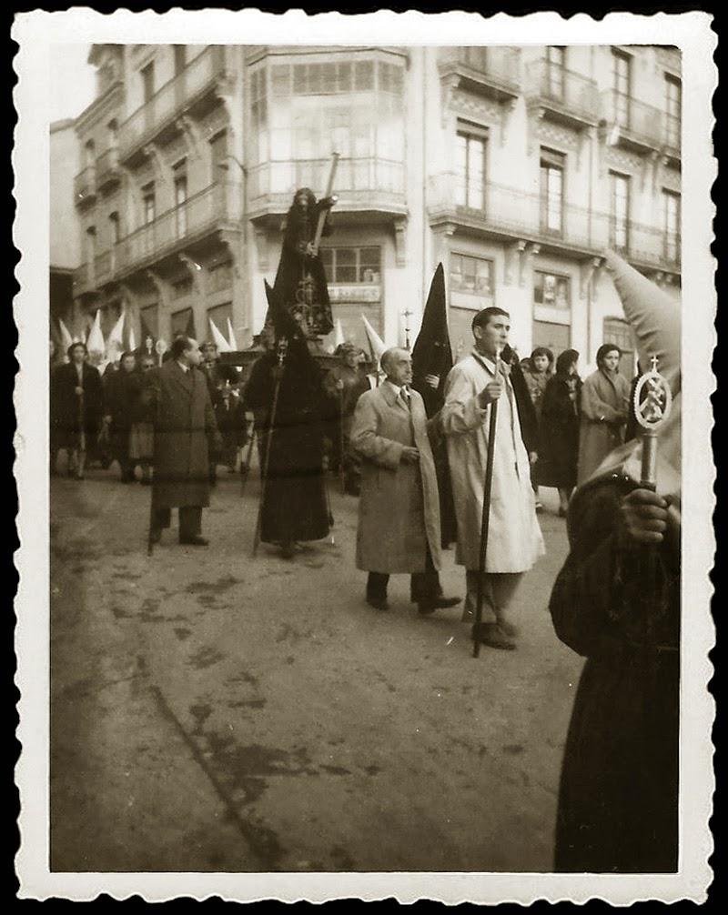 http://www.ssantabenavente.com/paginas/CesarHidalgo.htm