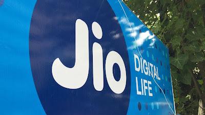 Jio के ₹399 वाले प्लान उड़ा रहा है सबकी नींद, मिलता है अनलिमिटेड डेटा के साथ लम्बी वैलिडिटी