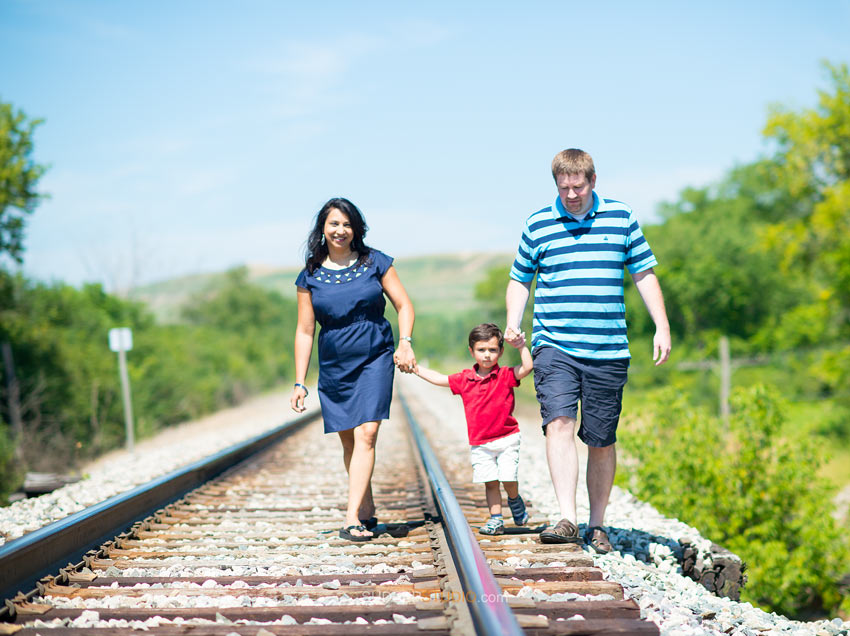 Northville Family Portrait photography poses - Sudeep Studio.com