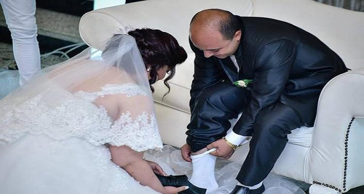عروس مصرية غسلت قدمي عريسها في الكوشة فحصلت لها مفاجأة أغرب من الخيال