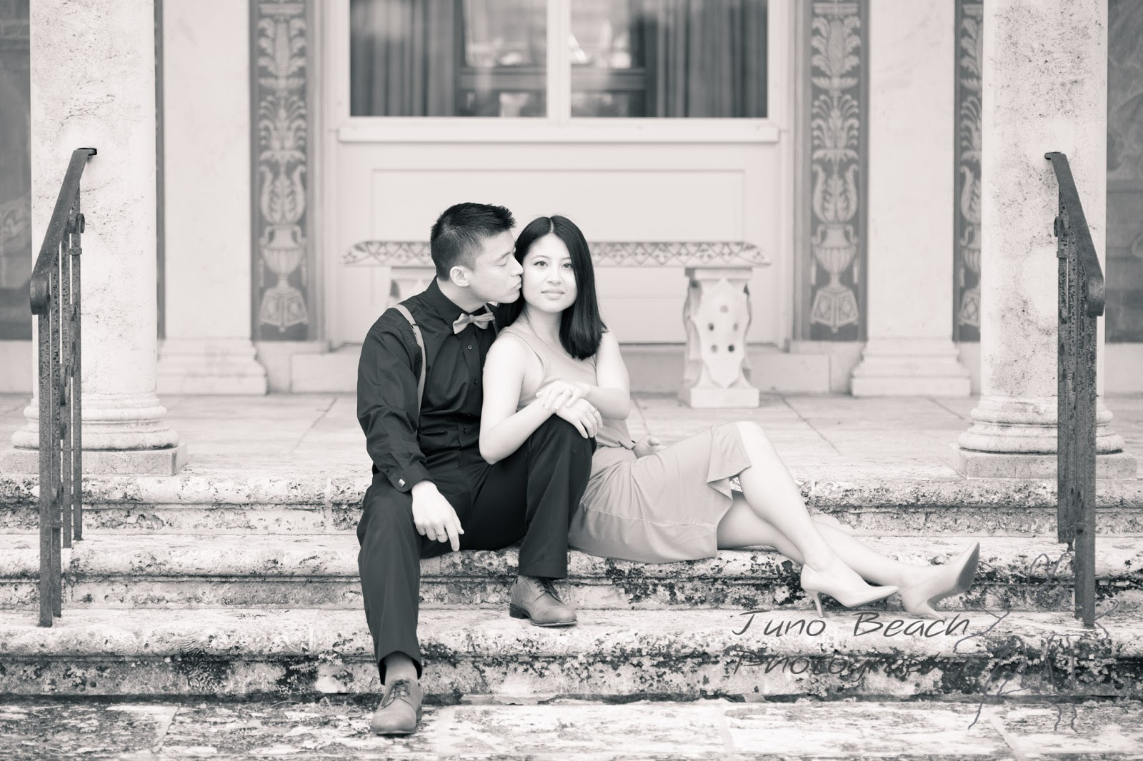 Engagement Session at Four Arts Society on Palm Beach by Juno Beach Photography