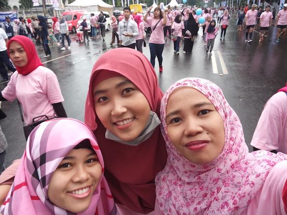 Ikut Fun Walk FEMME 2017 di Makassar