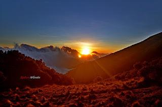 Keindahan Sunrise Gunung Merbabu