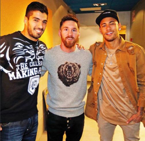 Barcelona attacking trinity - Messi, Suarez, Neymar - pose for groupie