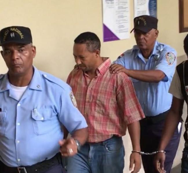 A prisión policía municipal que mató hombre en Santo Domingo