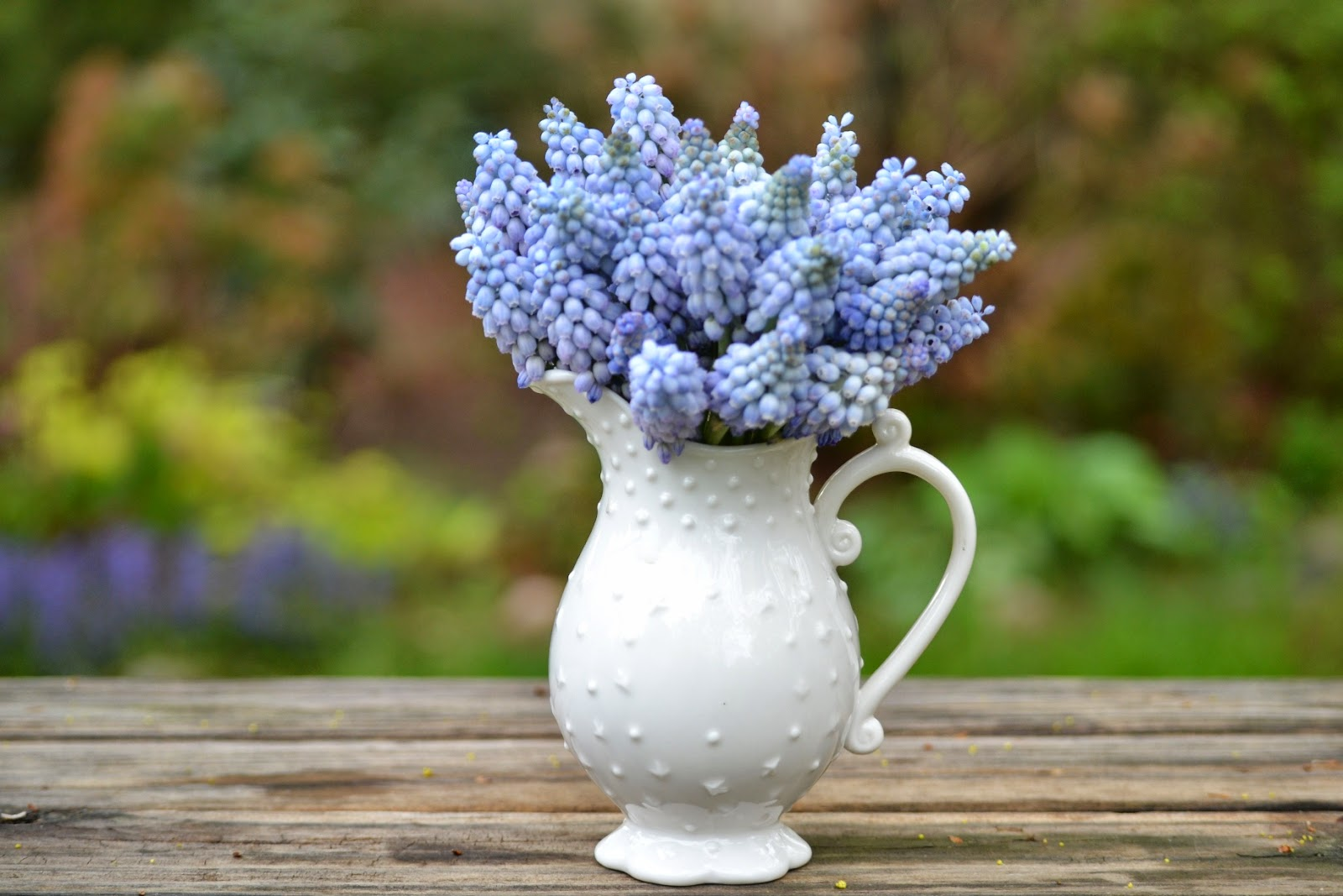 Wedding Flowers From Springwell Blue And Purple Muscari For Springtime Weddings
