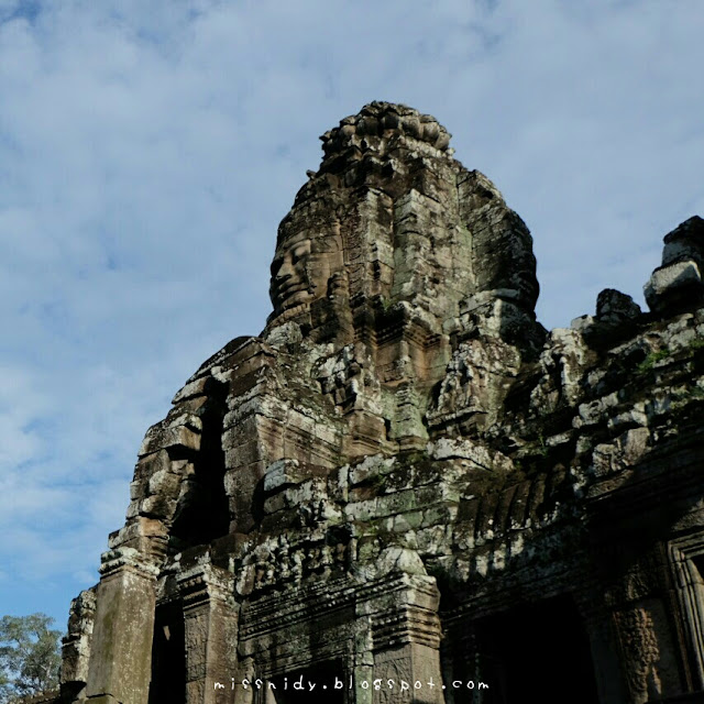 bayon temple smiling temple