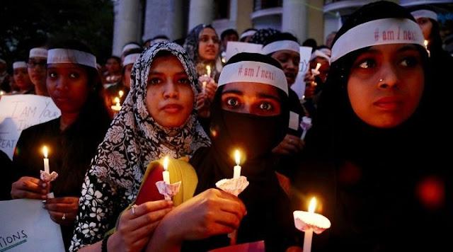 Και τρίτη έφηβη βιάστηκε και κάηκε ζωντανή μέσα σε μια εβδομάδα στην Ινδία