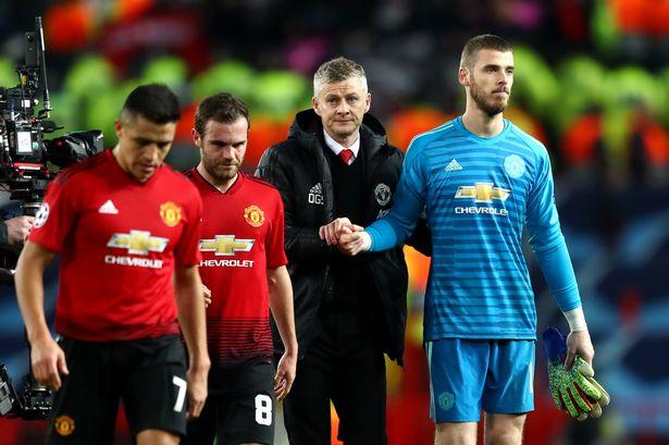 """Sir Alex đi, Old Trafford trở thành """"tử địa"""" của M.U"""