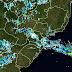 A quinta-feira será de chuvas rápidas, com trovoadas na maioria das regiões paranaenses.