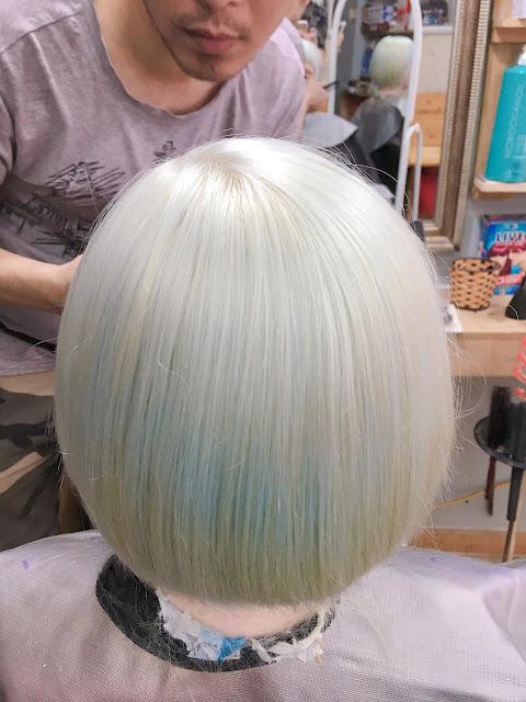 Nhuộm tóc màu Trắng Vani: đẹp sáng chói mà vẫn ấm áp