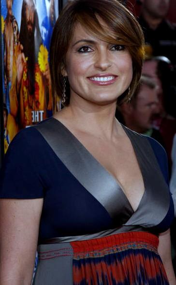 GALLERYION: Hot american sexy actress mariska hargitay ...
