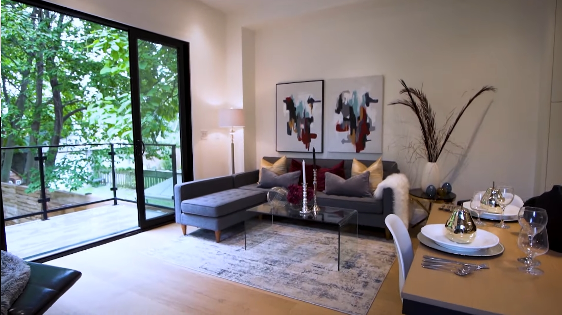 40 Interior Design Photos vs. 10 Second St, Toronto Luxury Home Tour