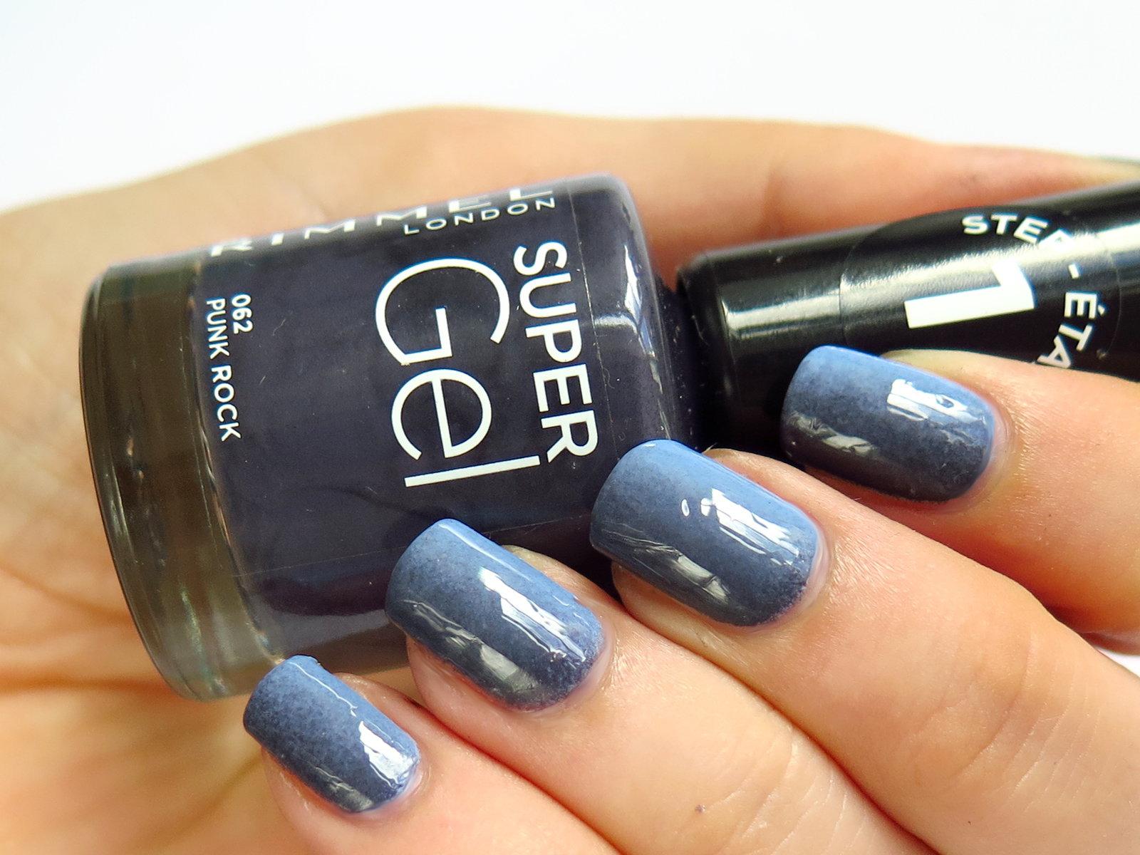 ciemnofioletowy lakier do paznokci elegancki na jesień