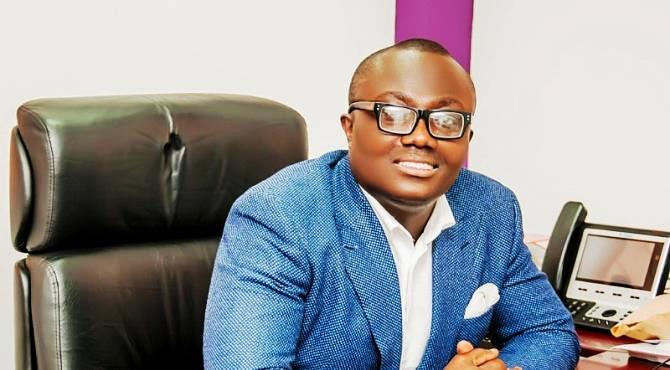 Dear Bola Ray, with joy I received the message of you bowing out of hosting the Drive Time show. 15 years of holding on is indeed worth celebrating. Surely, you have grown above your limits.  I told myself, finally a young chap will have the opportunity to tap into Bola's glory. Yea you have held on for far too long. I was thinking you would not be actively involved in broadcasting after assuming the position of a Chief Executive Officer. I expected you to act all boss and allow your employees do the bidding but hell no, you fought with us on the battlefield for our target in the audience share. A CEO whom I can ignore and call a colleague because we were all presenters at a point.