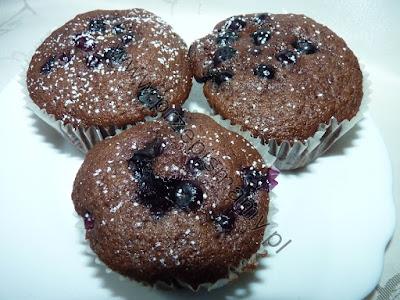 Muffinki czekoladowe z borówkami
