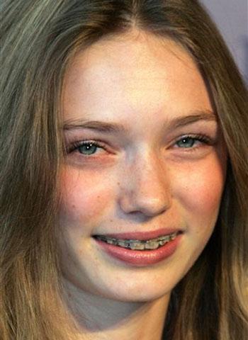 Celebrities Eleanor Tomlinson