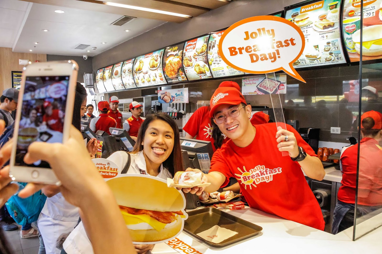 Jollibee celebrates Jolly Breakfast Day with free Bacon, Egg, & Cheese Sandwiches