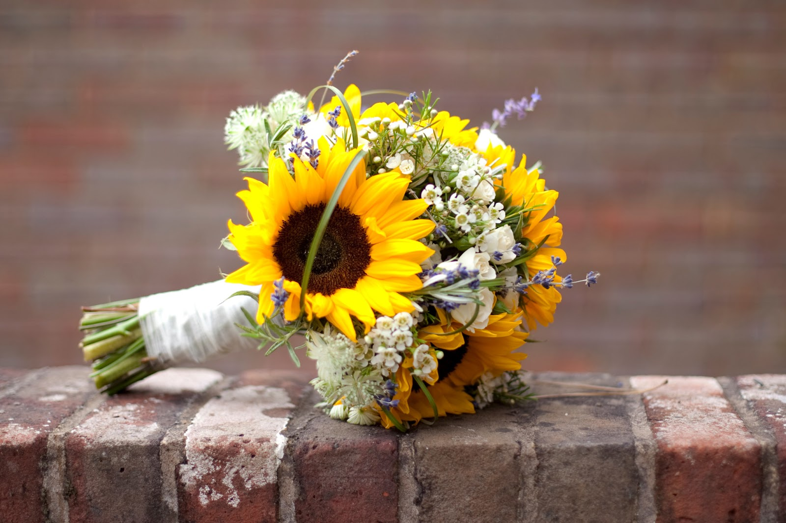 Bridal Sunflower Bouquet Ideas