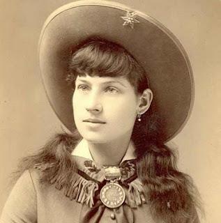 Biodata Biography Profile Annie Oakley Terbaru and Complete