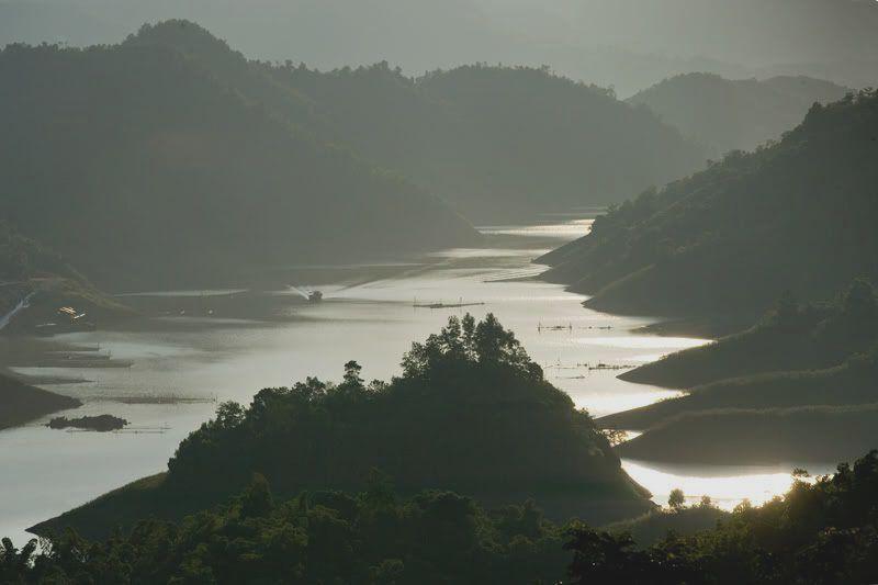 Con sông dùng dằng con sông không chảy