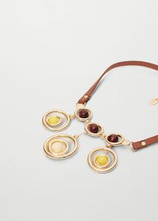 http://shop.mango.com/FR/p0/femme/accessoires/bijoux/colliers/collier-ornements-nid-dabeille?id=73010141_OR&n=1&s=rebajas_she.bisuteria