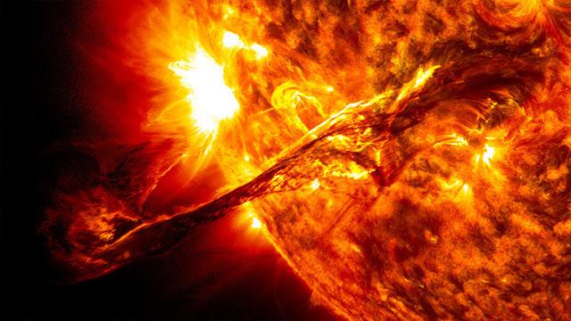 La mayor llamarada solar de la década provoca una fortísima tormenta magnética en la Tierra