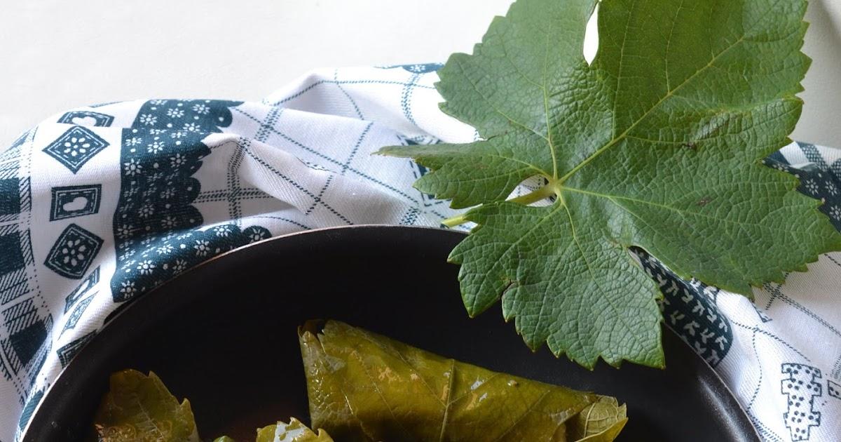 Dolmadakia cretesi: involtini con foglie di vite ripiene di riso