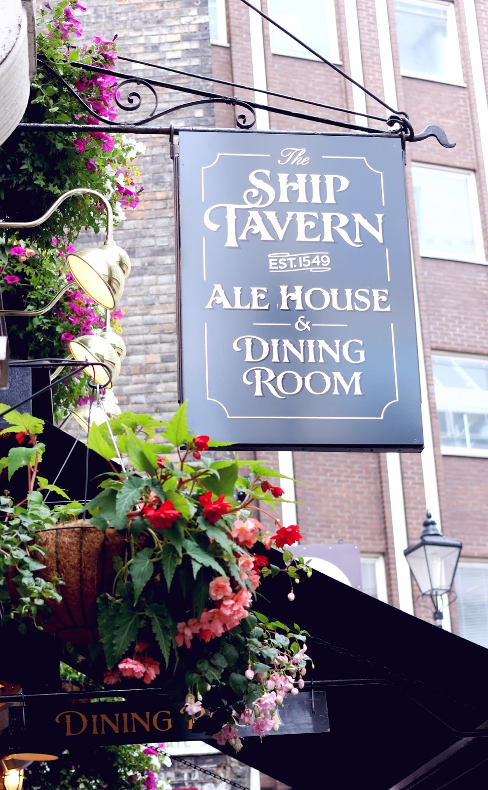 Sunday Lunch at The Ship Tavern, Holborn