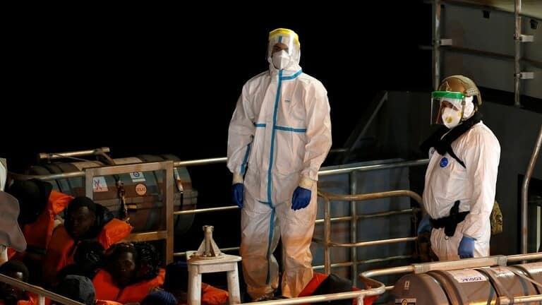 مالطا-تنقذ-140-مهاجرا-وتبقيهم-على-متن-سفينة-سياحية-خارج-المياه-الإقليمية
