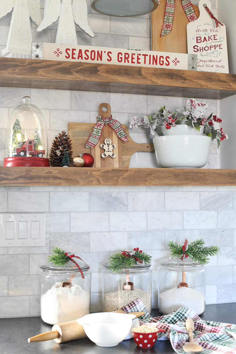 How to decorate your kitchen for Christmas