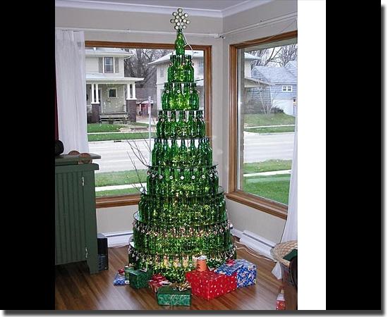 Natal Fail - As decorações mais infelizes do mundo - Árvore de Natal alcoólica