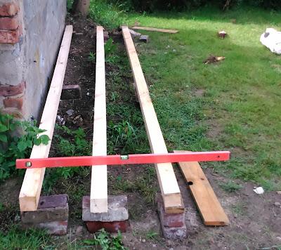 Budowa drewutni krok po kroku