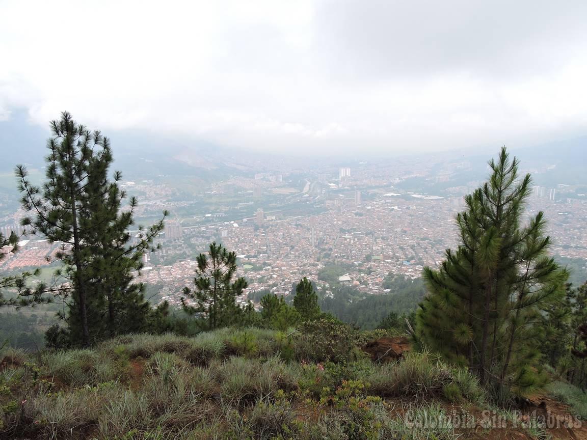 vista de Bello y Medellín desde el cerro quitasol