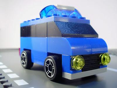 MOC LEGO Carrinha da Polícia