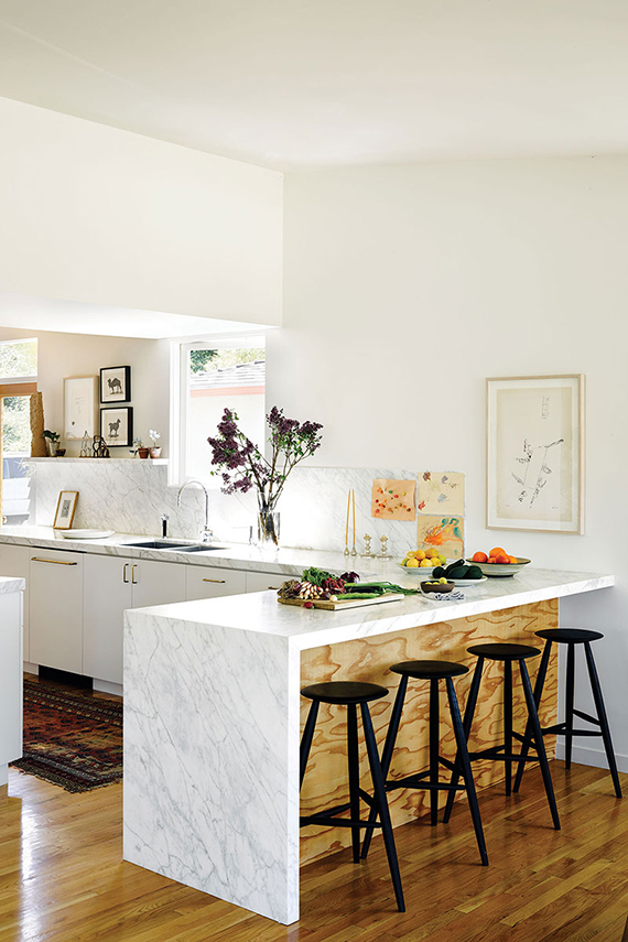 Marble kitchen counter. Image by Douglas Friedman via C Home