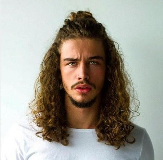 primero pelo largo