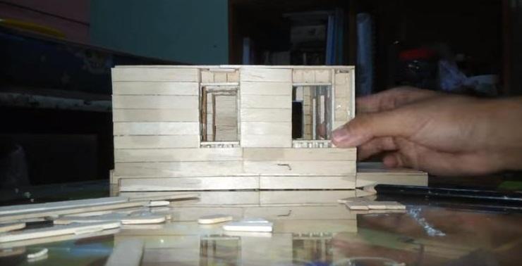 Cara Membuat Miniatur Rumah Dari Stik Es Krim Beserta Gambarnya