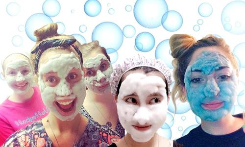 chicas con mascarillas de burbujas coreanas