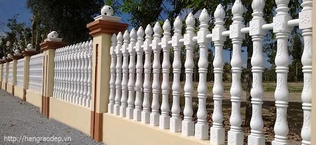 Hàng rào bê tông ly tâm trúc sen màu trắng
