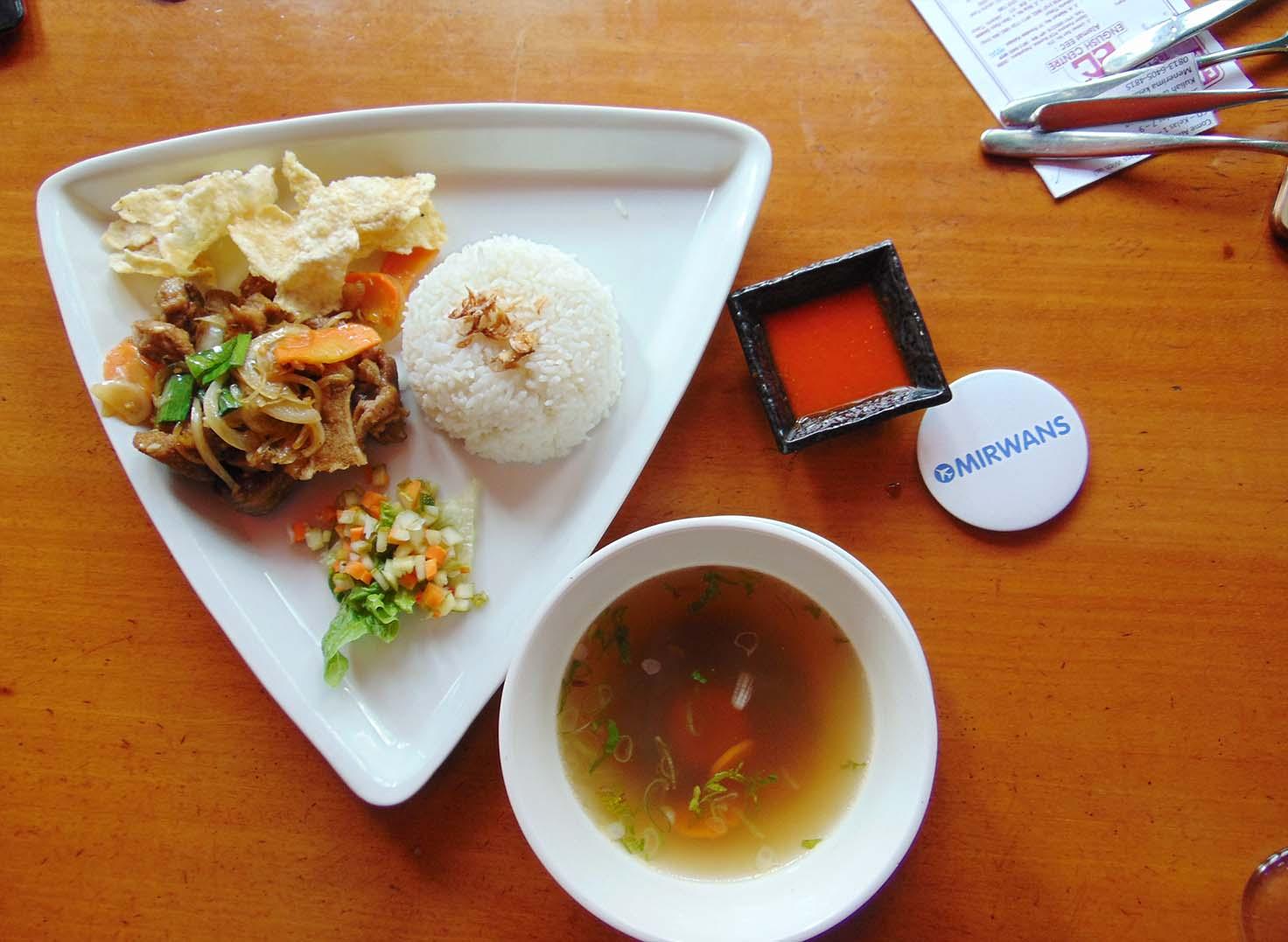 tempat makan keluarga di pekanbaru  kuliner malam di pekanbaru  tempat makan enak di panam pekanbaru  kuliner pekanbaru 2018  tempat dinner romantis di pekanbaru  cafe di pekanbaru  pondok gurih rumah makan pekanbaru city riau  kuliner khas pekanbaru