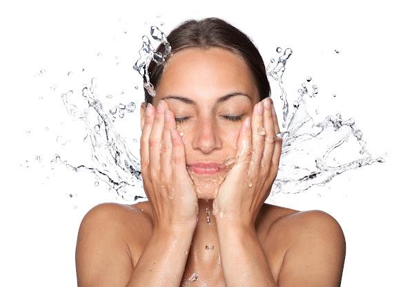 Cách chăm sóc da nhờn khi trời nồm, ẩm ướt