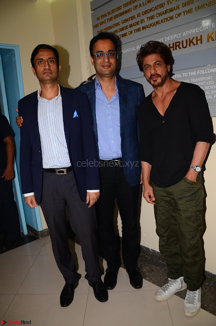 From Left to Right Aditya and Abhay Soi with Shah Rukh Khan .JPG