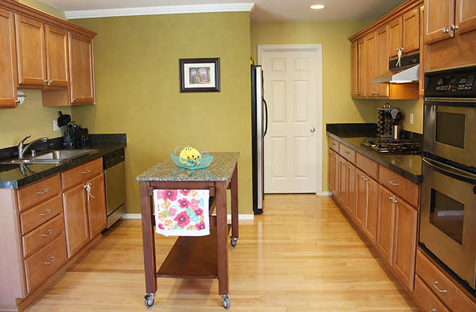 We Ve Lived In Our House For Over A Year Now And While I Loved Most Things About The Kitchen Don T Love Two Toned Green Paint